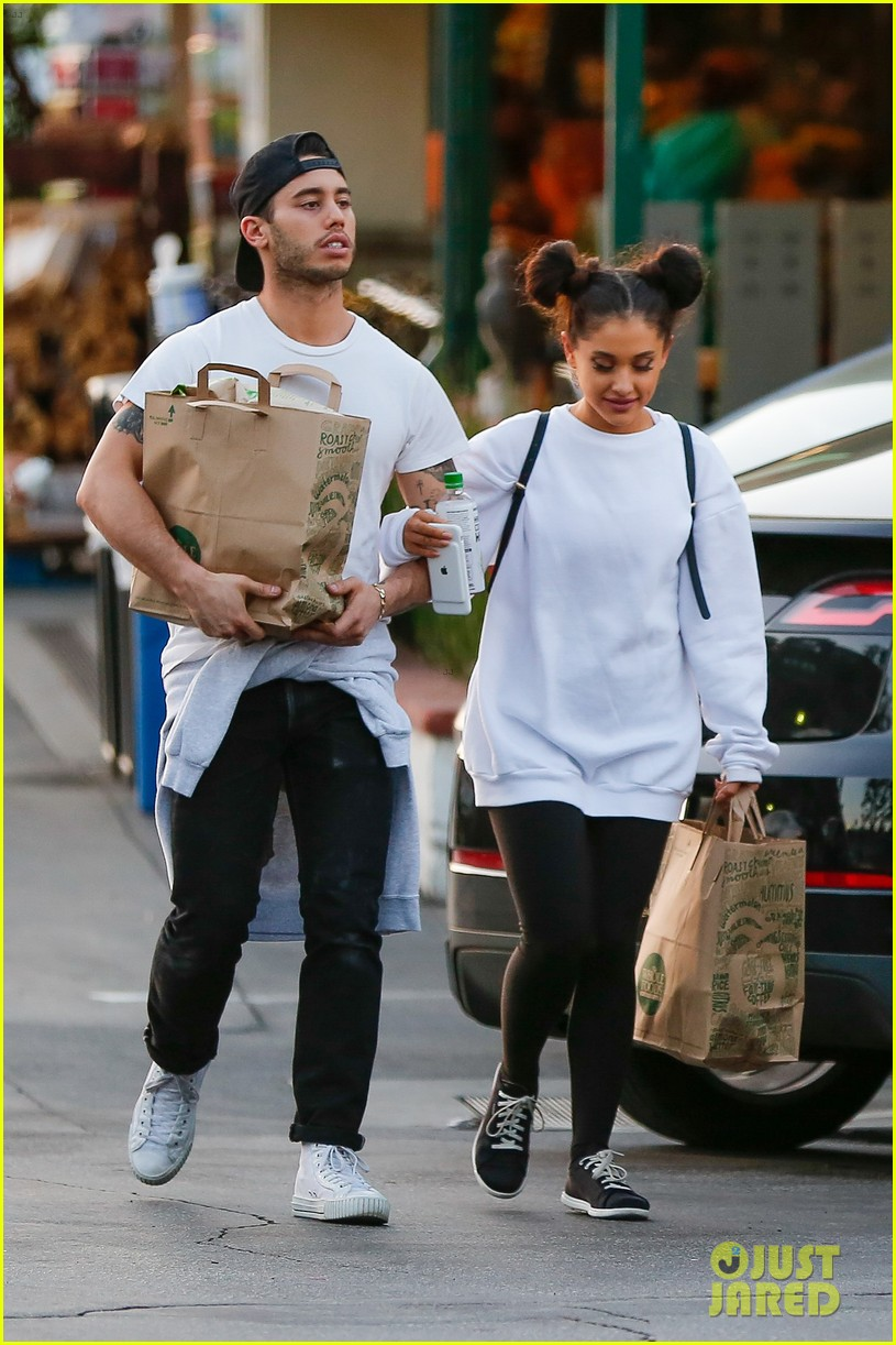 Who was ariana grande dating