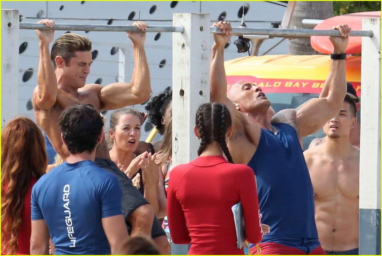 zac efron pull up contest baywatch 23