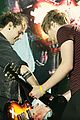5sos-prince 5 seconds summer manchester pics remember prince before concert 03