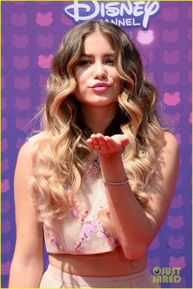 Sofia Reyes Kelsea Ballerini Carson Rdma 04 Demi Lovato Red Dress