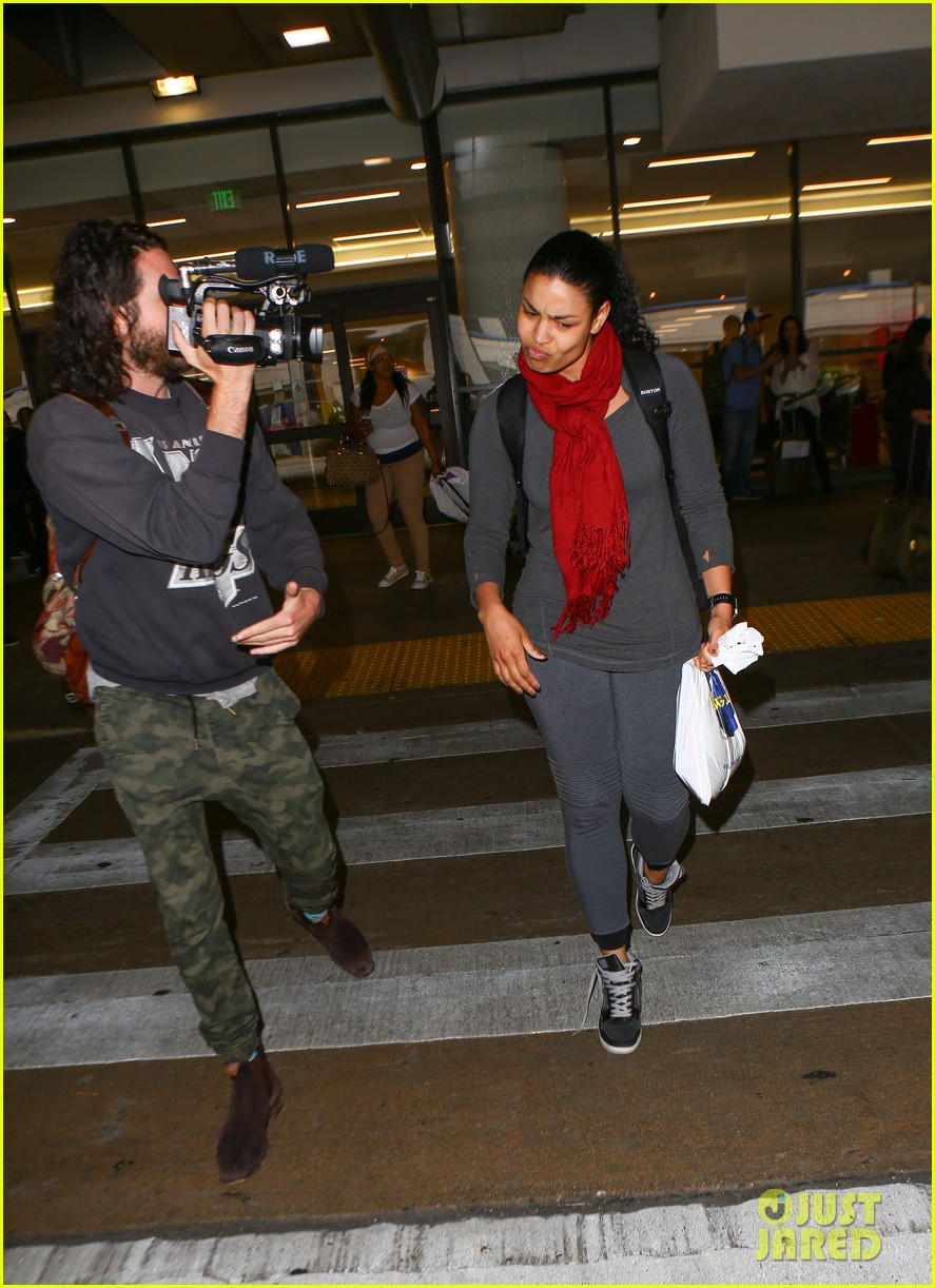 jordin sparks makeup free at airport 15
