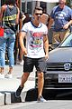 Joe-juliana joe jonas grabs lunch with model pal juliana herz 19