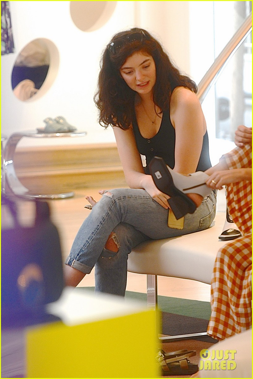 lorde marni shopping songwriting style broods 08