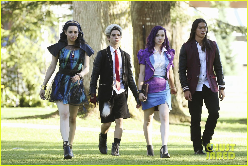 sofia carson remembers descendants one year 04