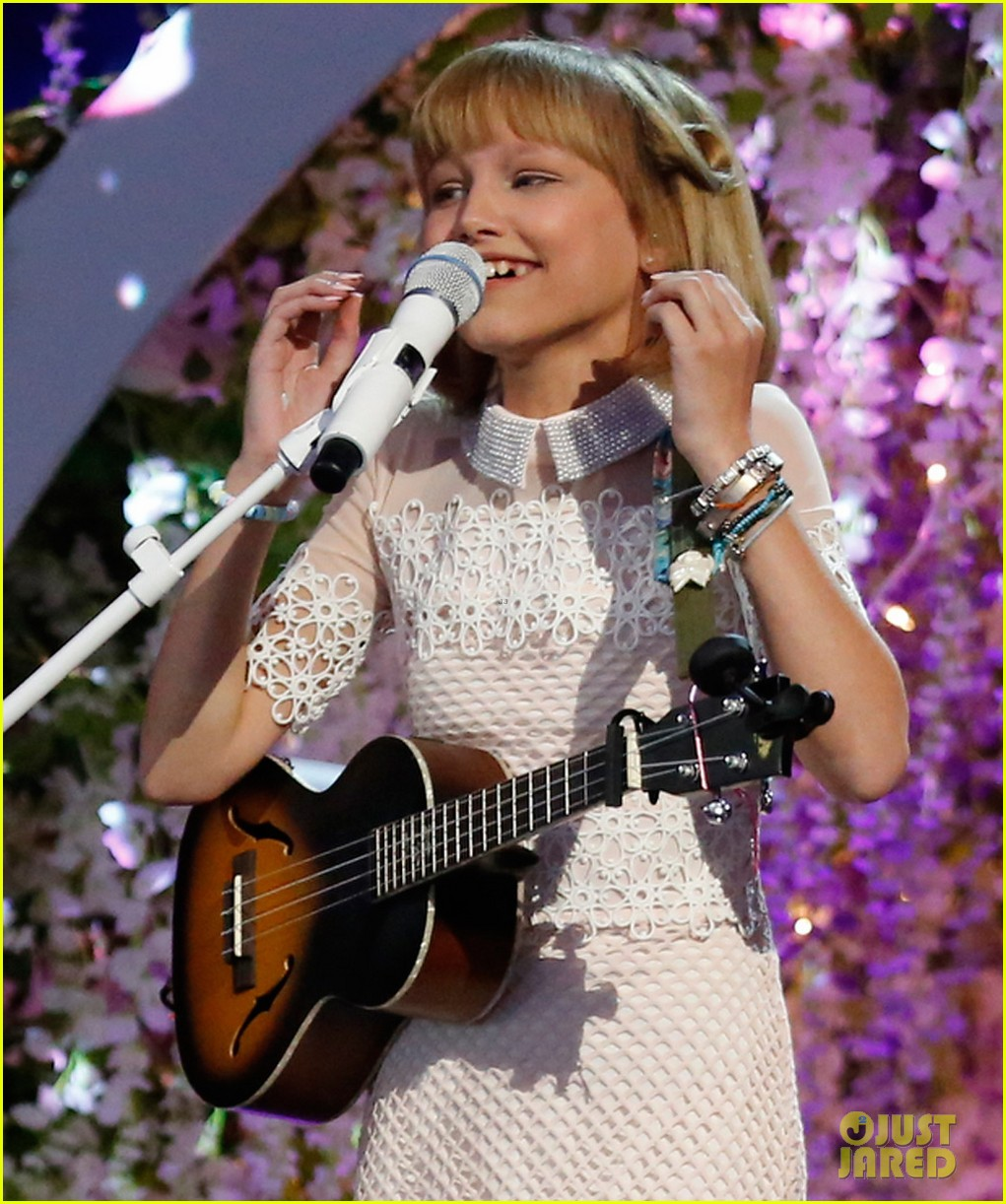 grace vanderwaal americas got talent finals 04