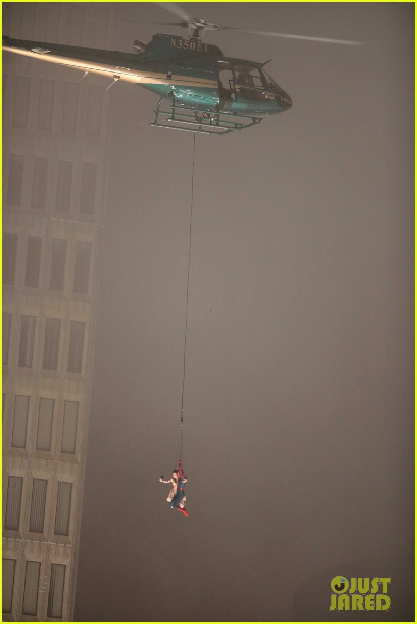 spider man stunt doubles helicopter scene 10