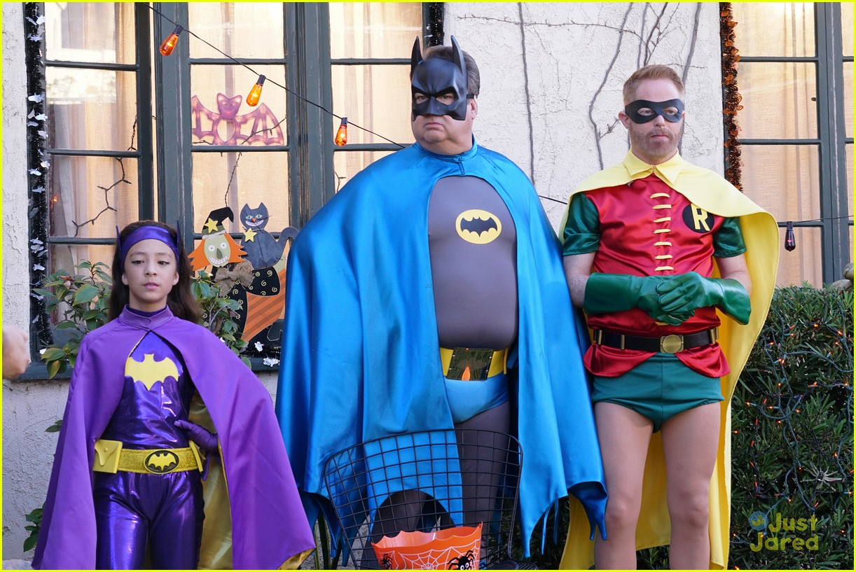 lily luke halloween costumes modern family tonight 42