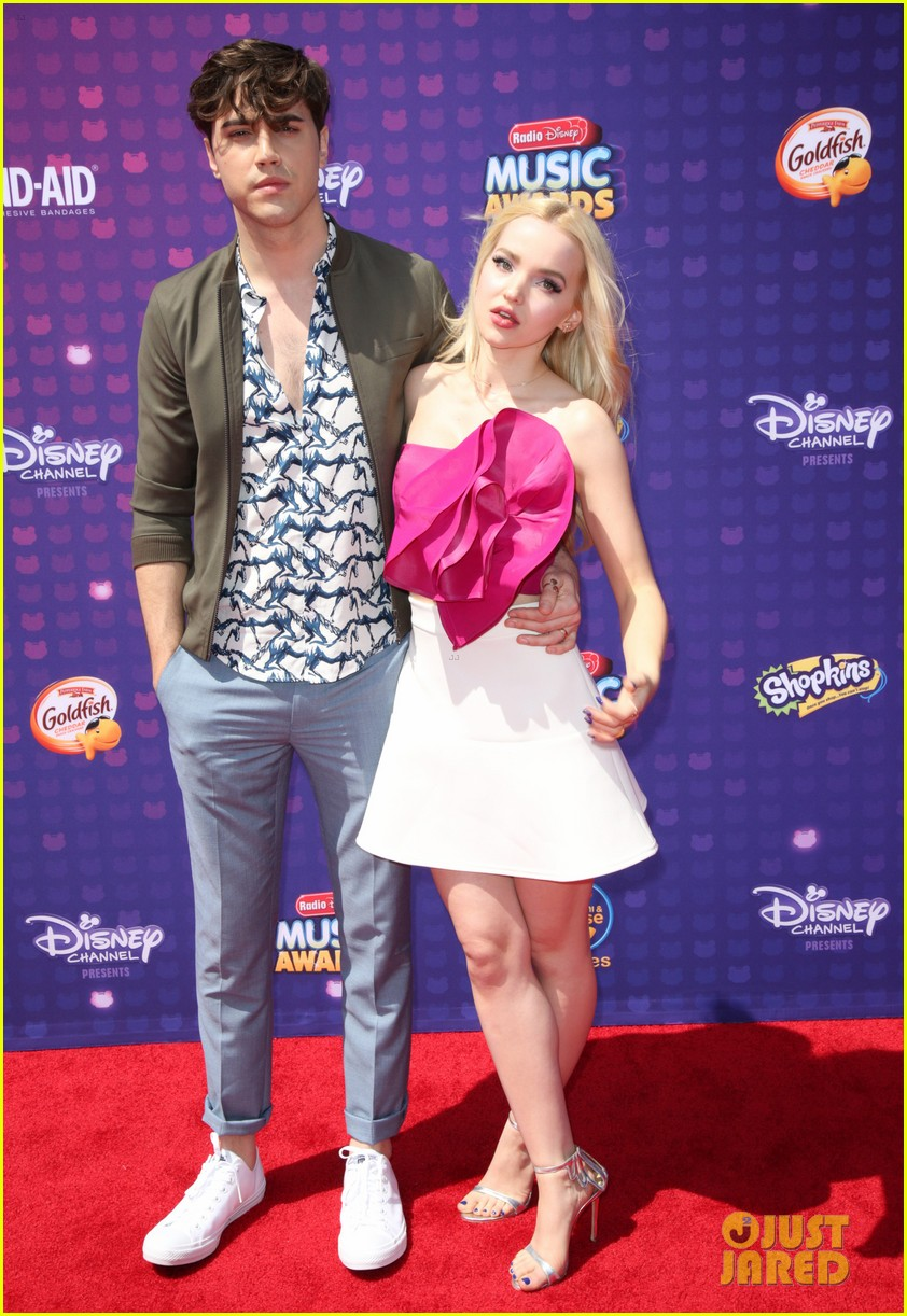dove cameron ryan mccartan split confirmed 04