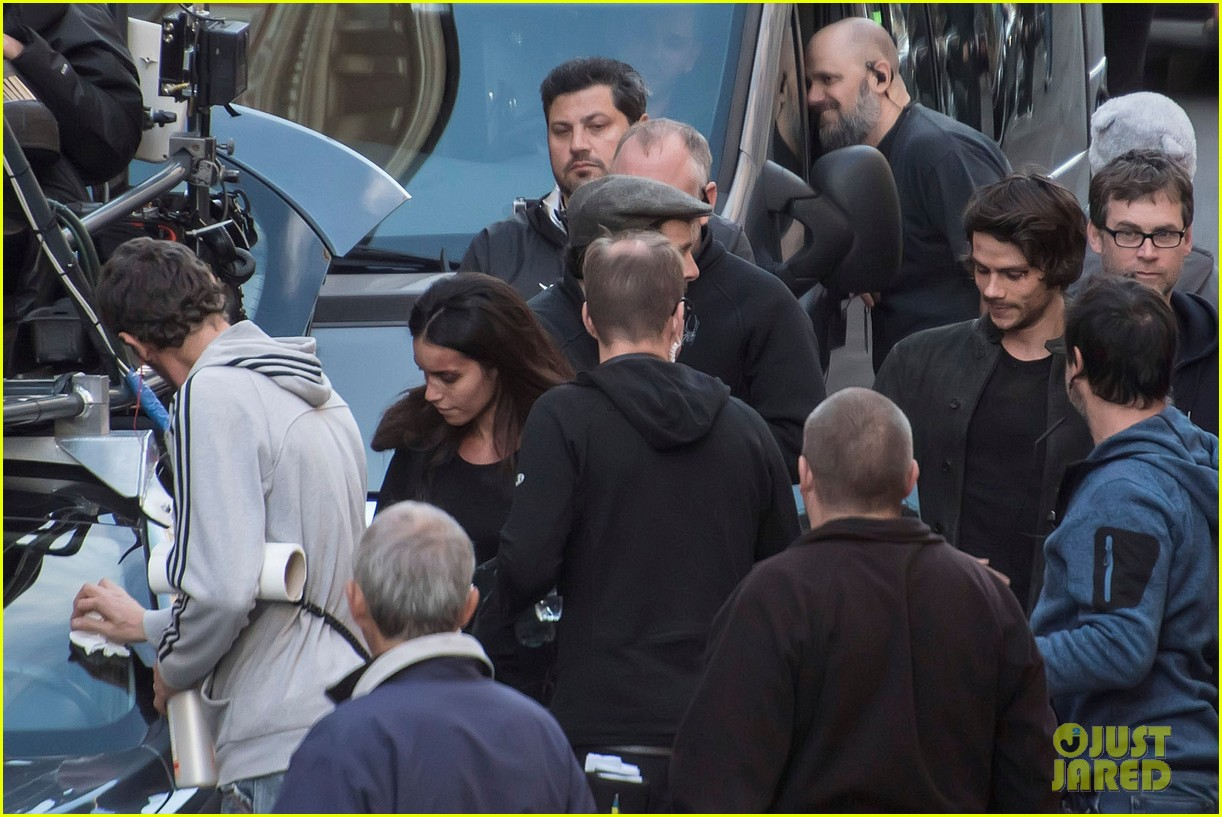 dylan obrien spotted on set for first time since accident 13