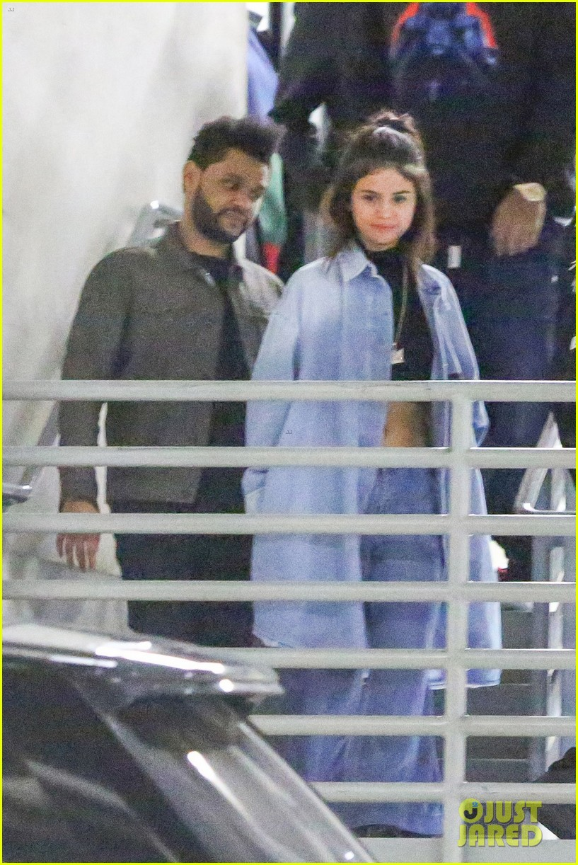 selena gomez the weeknd hold hands date night 04