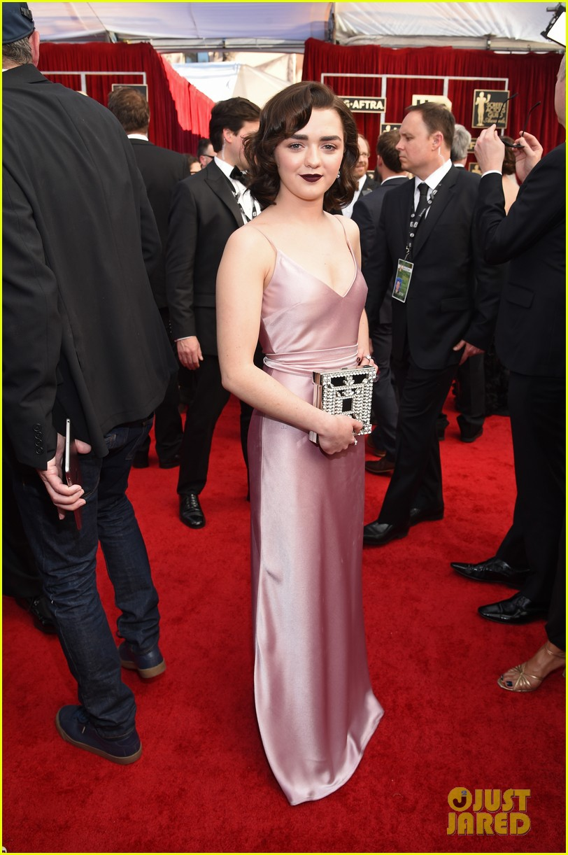 Sophie Turner & Maisie Williams Get Their Glam On for SAG ...