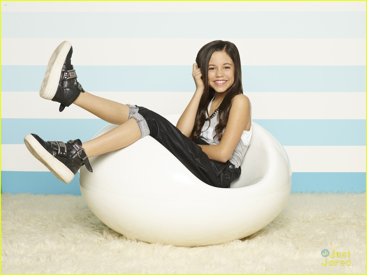 Fourteen-year-old Jenna Ortega first came to my attention as Young Jane on the CWu2019s Jane the Virgin.