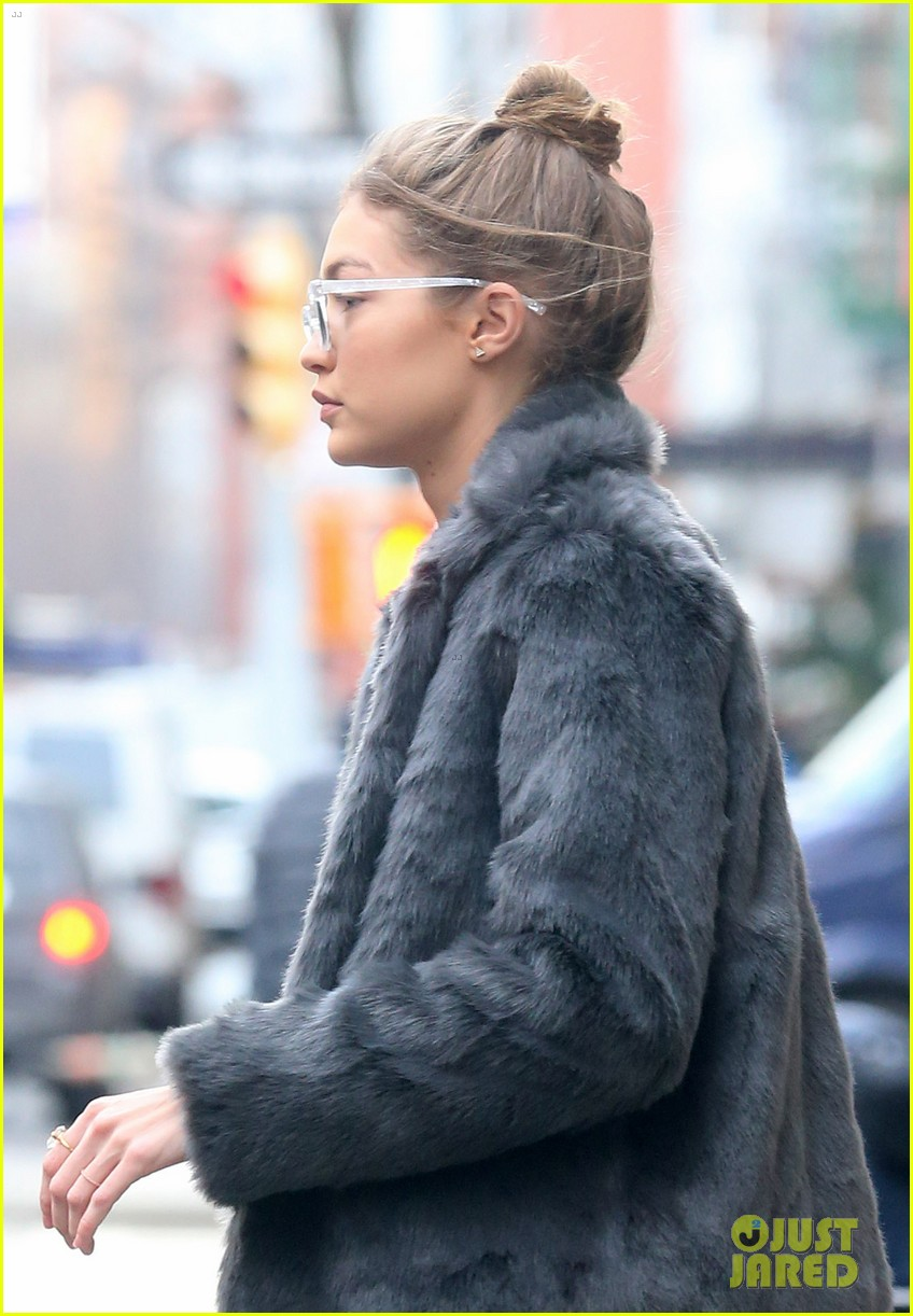 gigi hadid was in tears over taylor swifts grammy speech short film 09