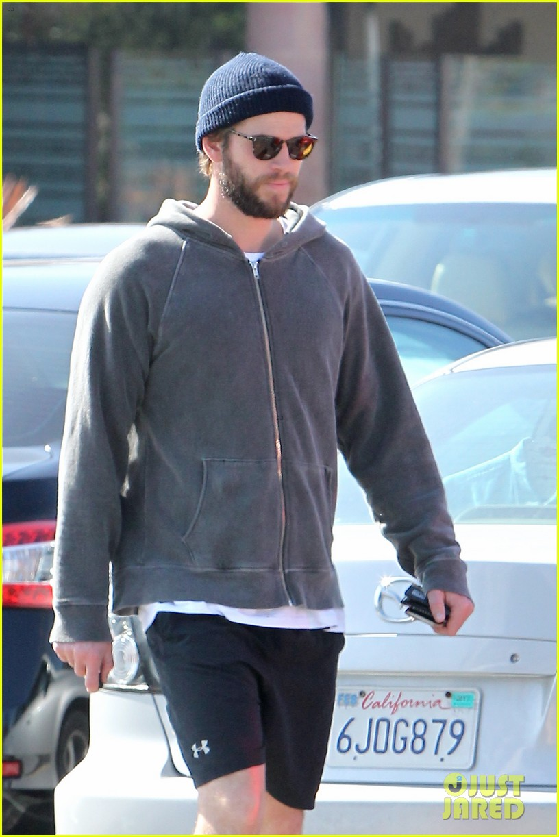 liam hemsworth shares valentines day pic with miley 02