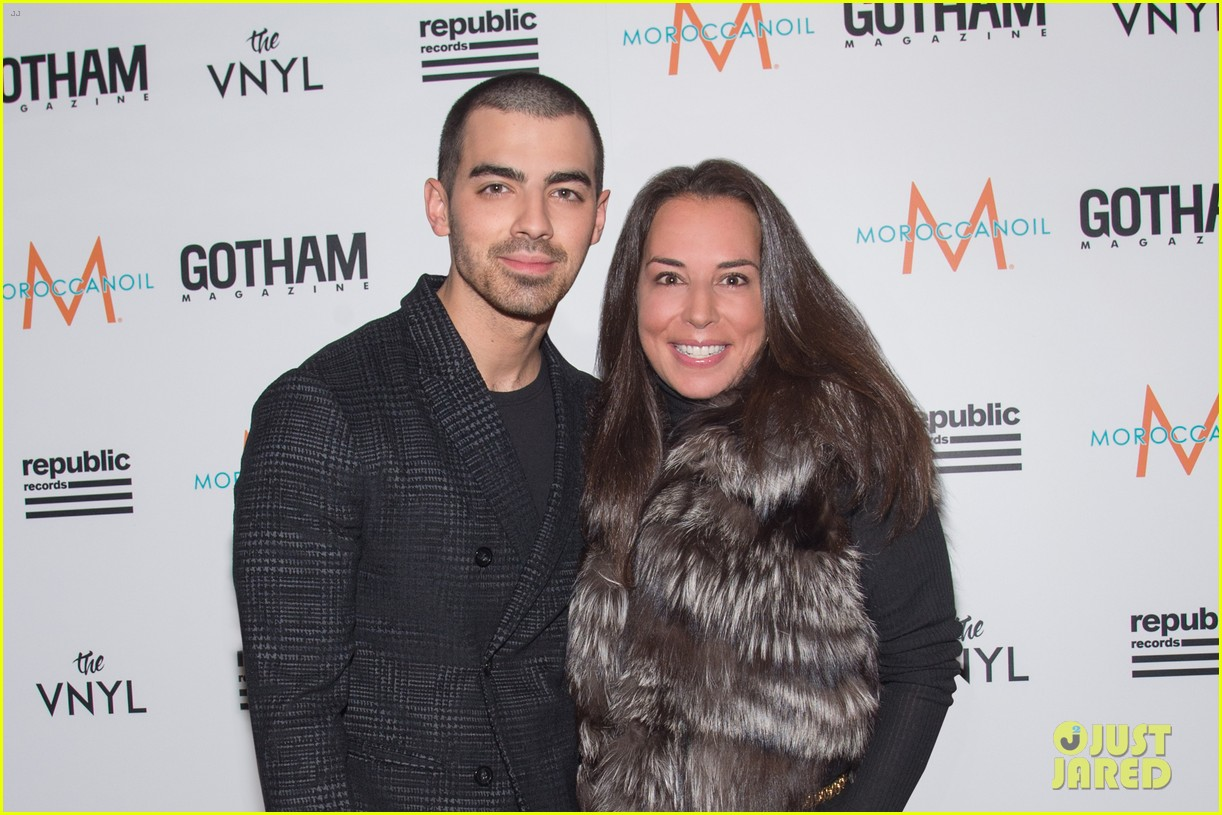 joe jonas graces cover of gotham magazine spring fashion issue 04