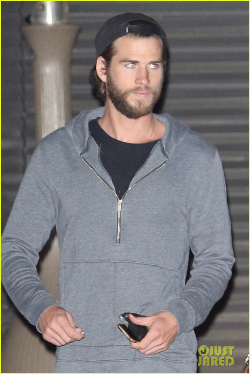 miley cyrus liam hemsworth malibu date night 01