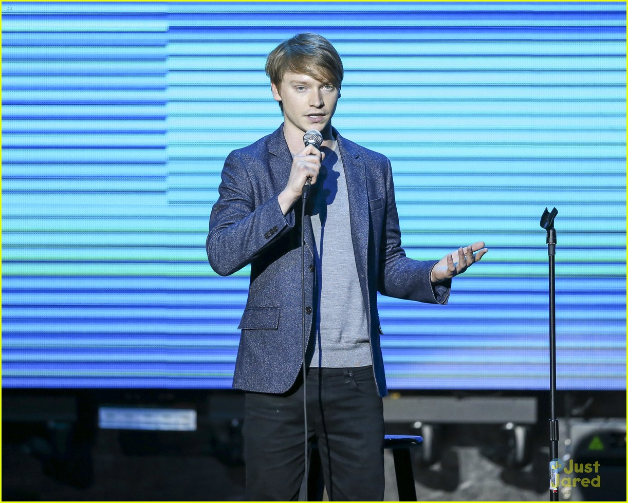 calum worthy keep clean water event 01