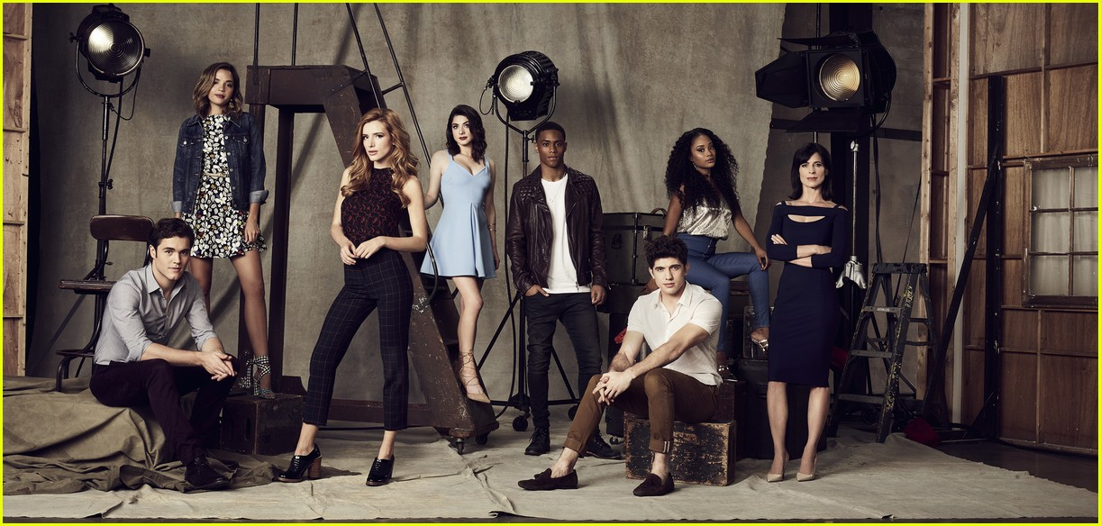 famous in love casting rebecca serle 04