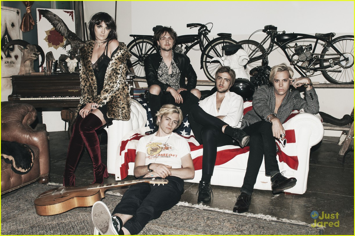 r5 new band pics reveal new addictions era 01