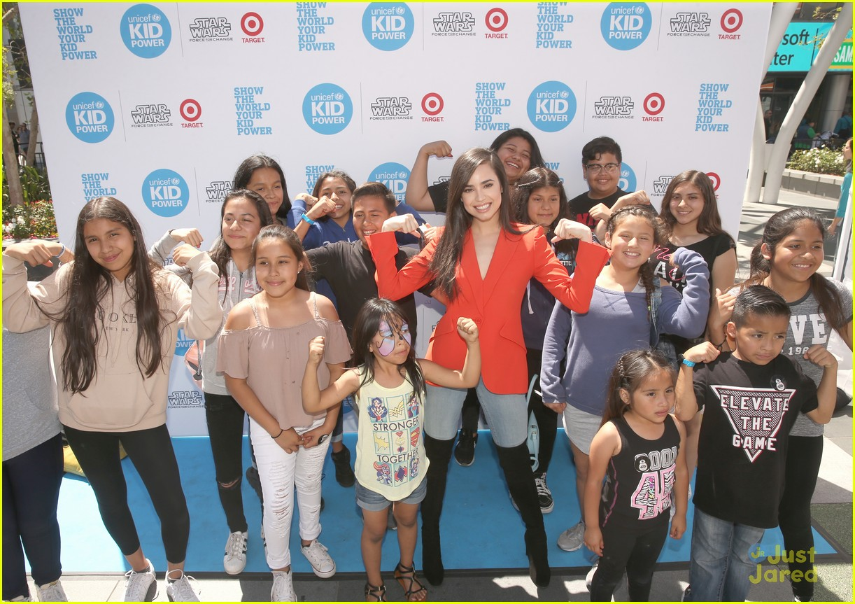 sofia carson big sleeves wango tango unicef event 03