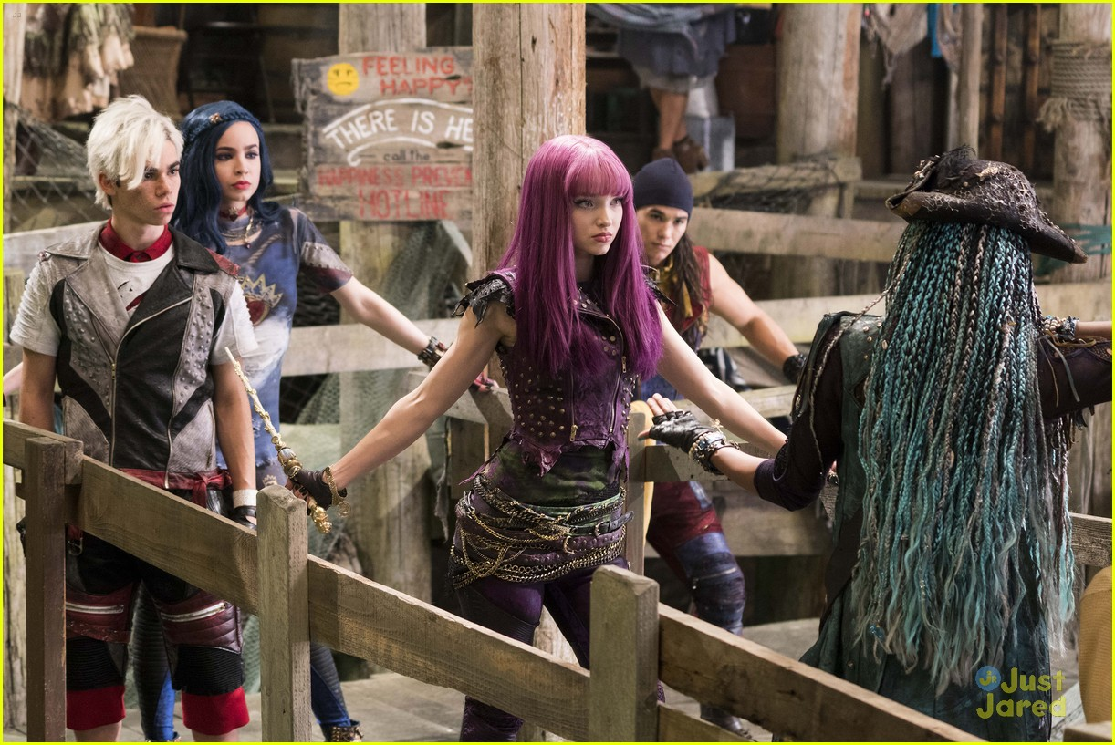 dove cameron descendants official canon 03