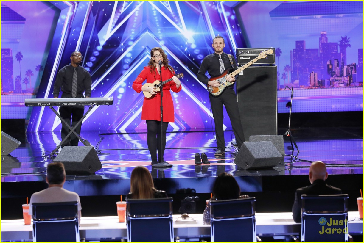 grace vanderwaal golden buzzer mandy harvey darci lynne 01
