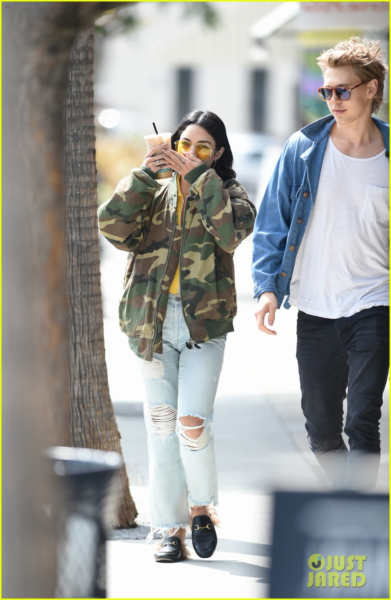 Vanessa hudgens and austin butler dating since when
