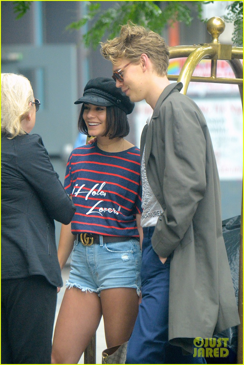 vanessa hudgens austin butler are summer lovebirds in ny 04