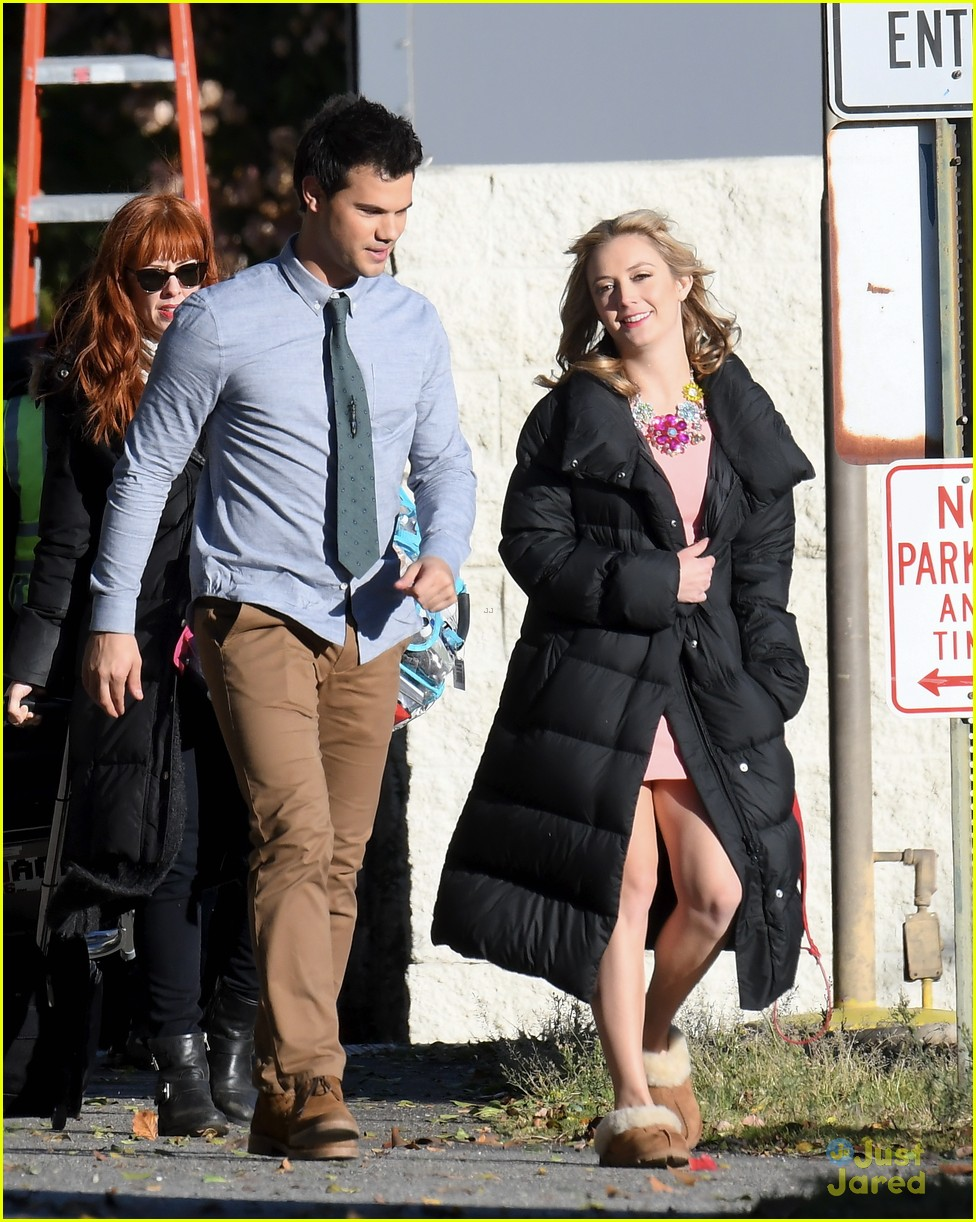 taylor lautner billie lourd husband 02