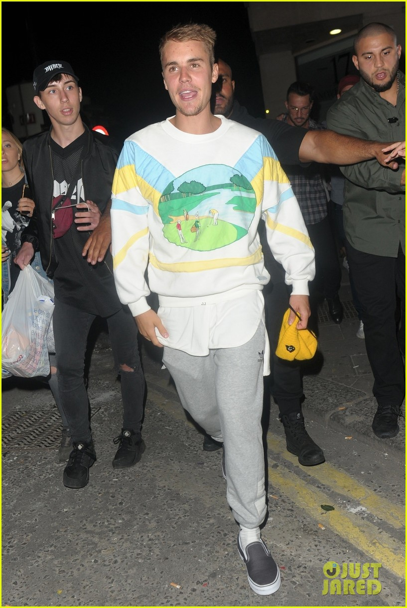 justin bieber hits the town for a night out05