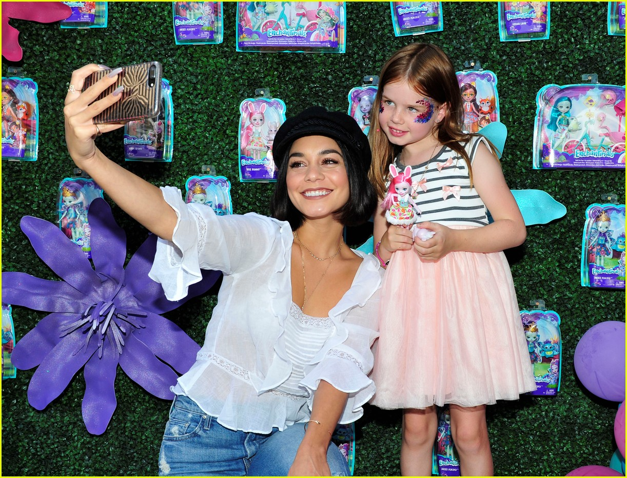 vanessa hudgens snaps selfies with fans at toy launch 02