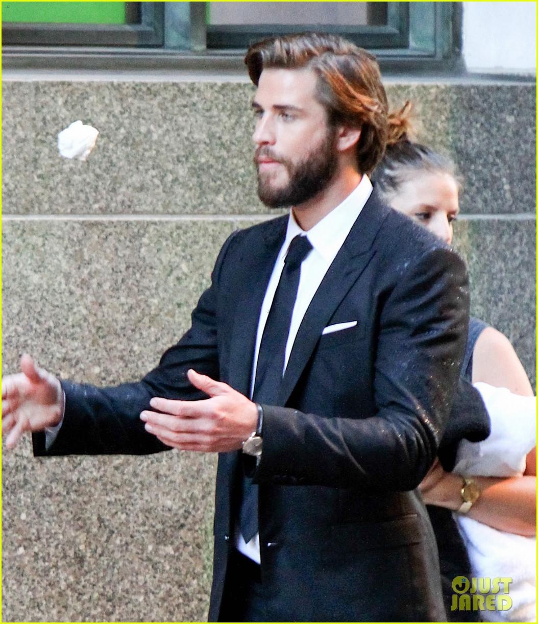 Liam Hemsworth Dawn Of A Rebel: It IS Romantic! Liam Hemsworth Gives Rebel Wilson A Kiss
