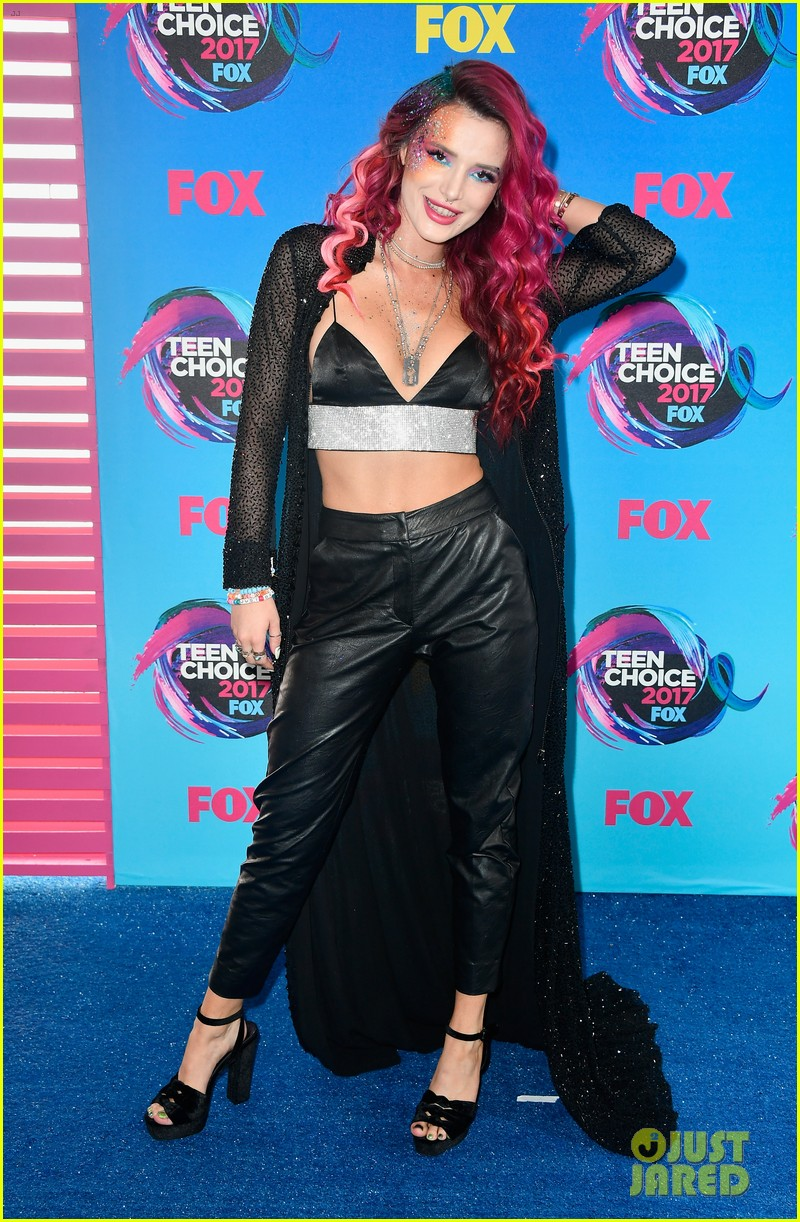 Bella Thorne's Teen Choice Awards 2017 Date is Her Dog ...