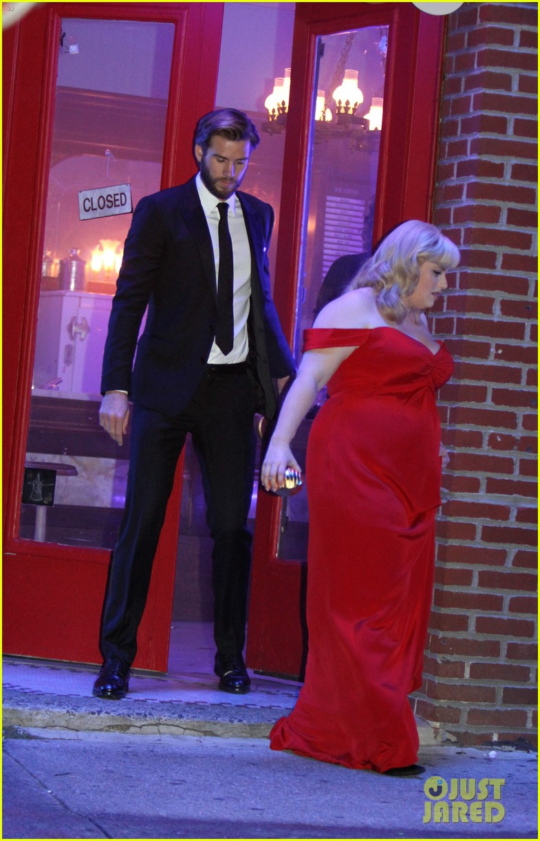 rebel wilson and liam hemsworth get glam for last night of isnt it romantic filming 05