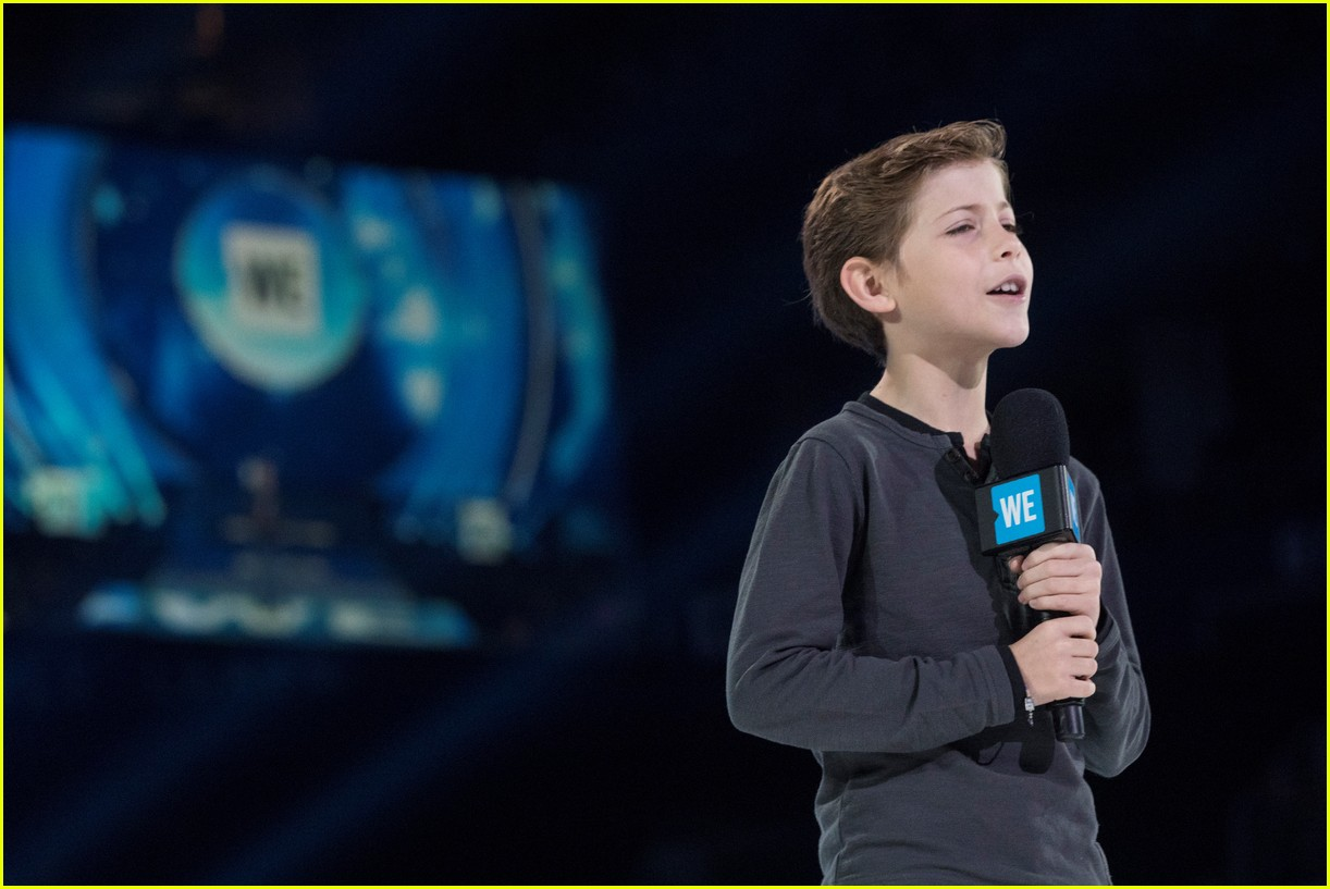 kelly clarkson and vanessa hudgens inspire youth at we day 14