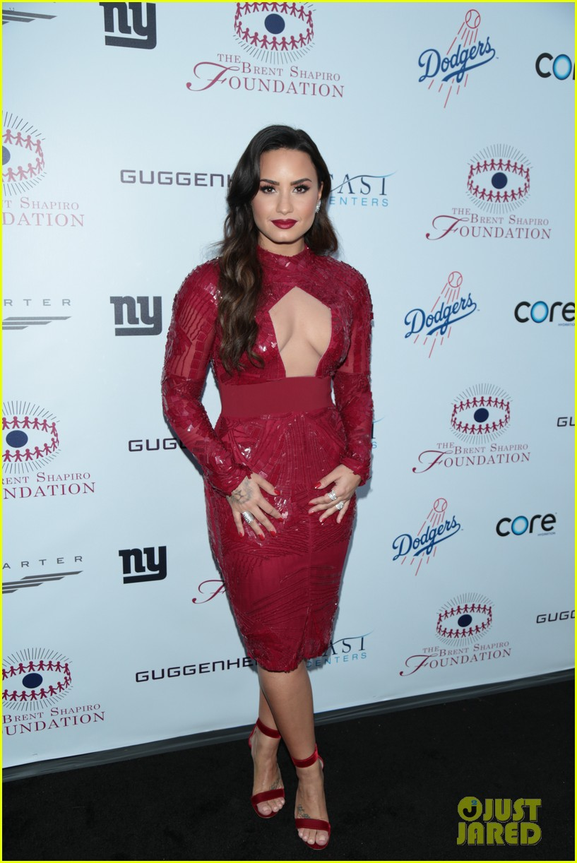 demi lovato spirit of sobriety 01