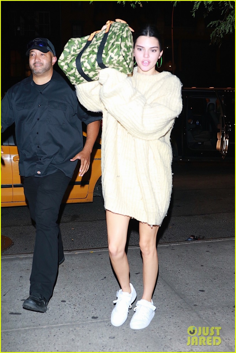 kendall jenner joins blake griffin for night out in nyc 03