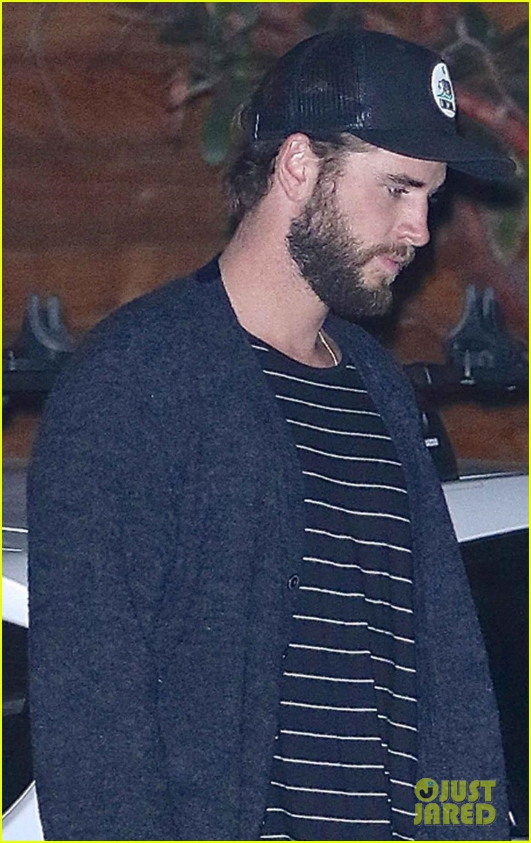 liam hemsworth and injured brother luke grab dinner at nobu 05
