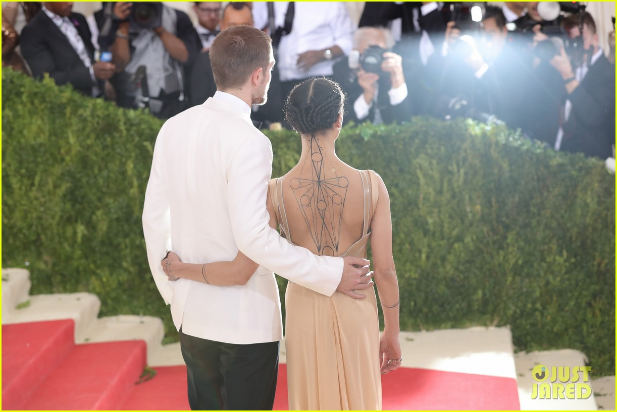 robert pattinson fka twigs split call off engagement 09