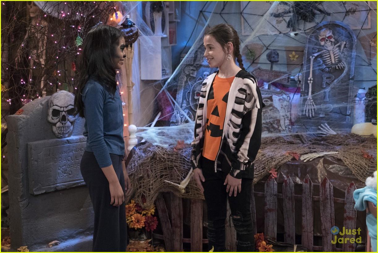 raven home halloween episode excl clip 02