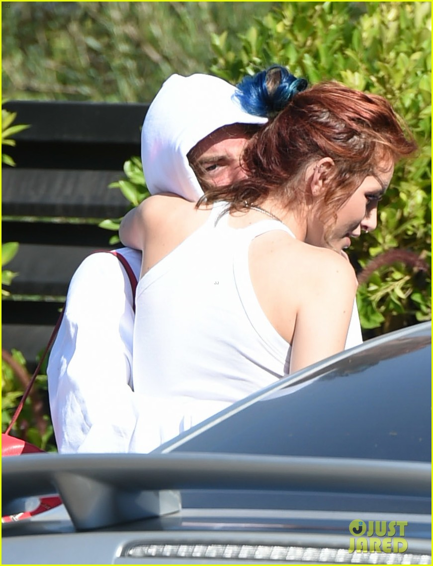 bella thorne busts a move with mod sun outside dance studio 03