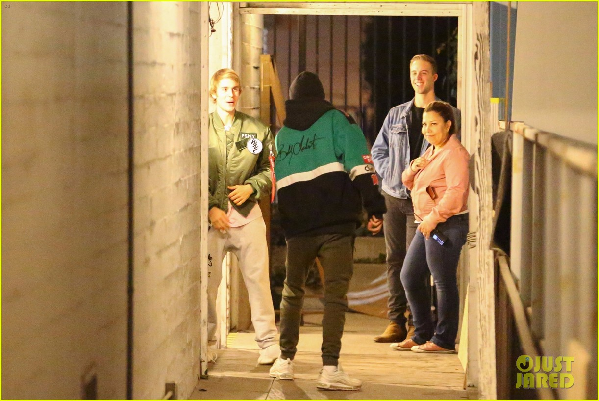 justin bieber selena gomez church services 24