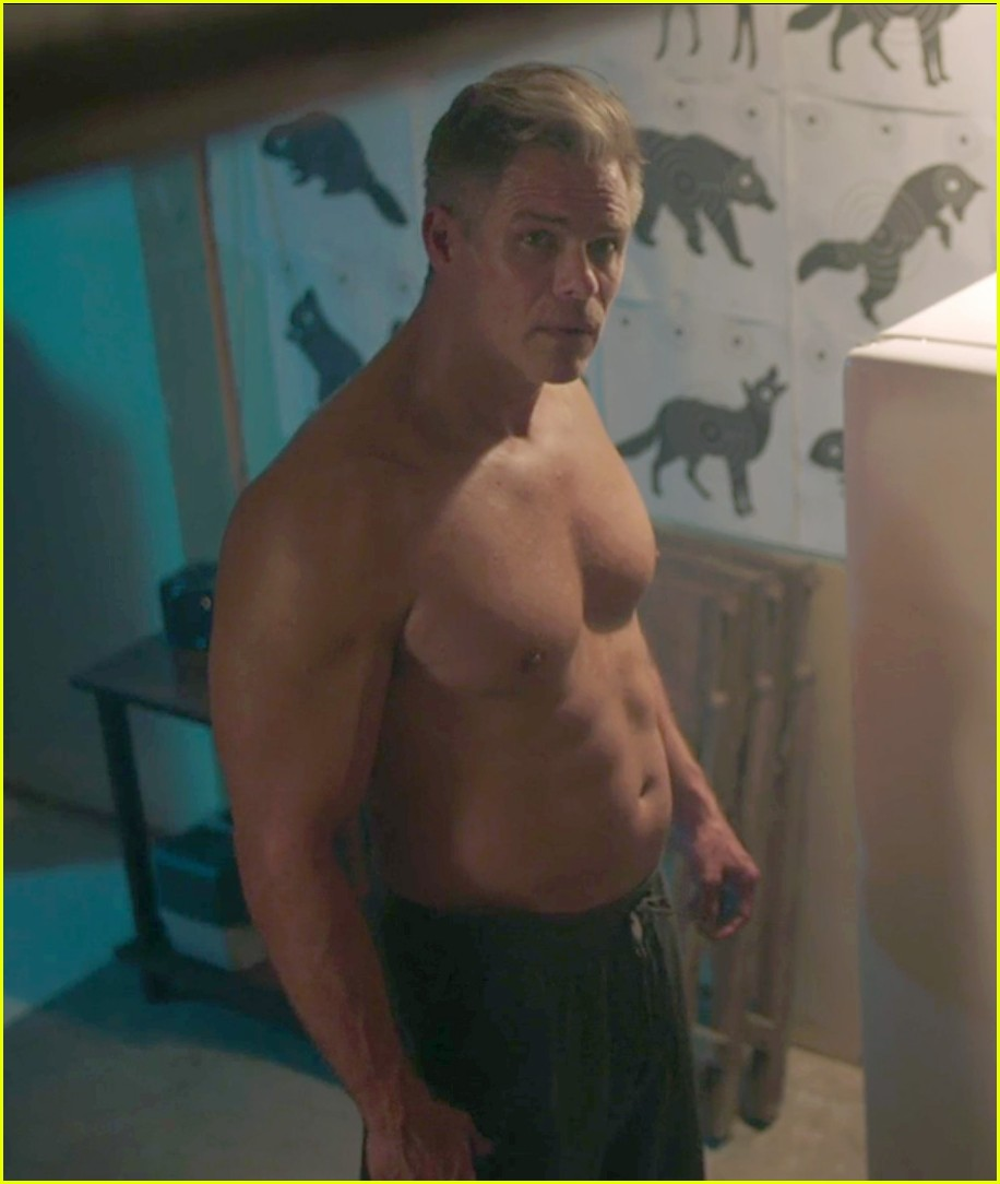 riverdale martin cummins shirtless 01